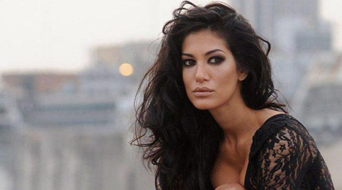 Cinthia Fernandez - Strip Dance - Bailando TV Show